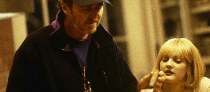 Wes Craven e Drew Barrymore no set de Pânico