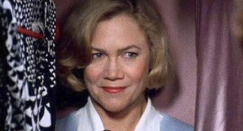 Mães macabras de filmes de terror: Beverly Sutphin (Mamãe é de Morte)