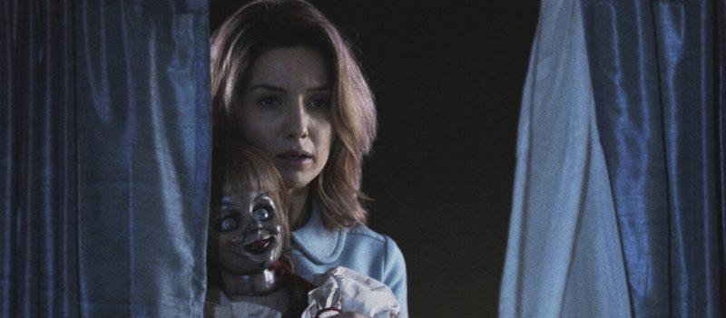 Annabelle (2014), primeiro filme da boneca possuída