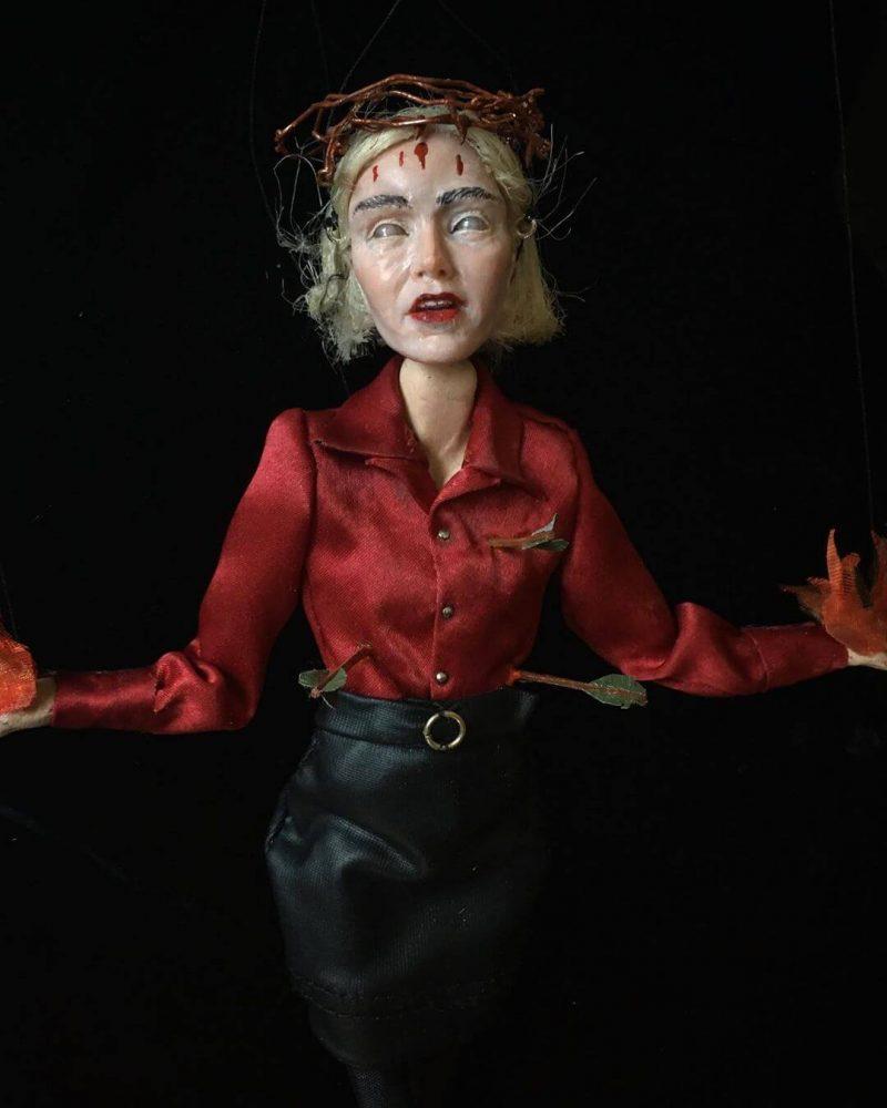Handsome Devils Puppets, artista macabra